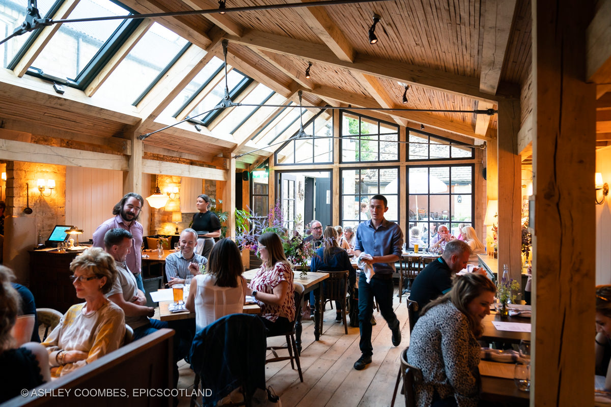 Cotswold pub dinning extension